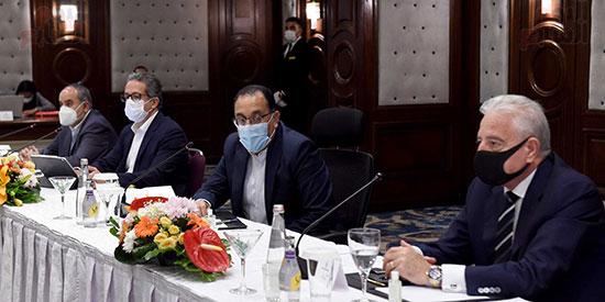 رئيس الوزراء يلتقى المستثمرين السياحيين (3)