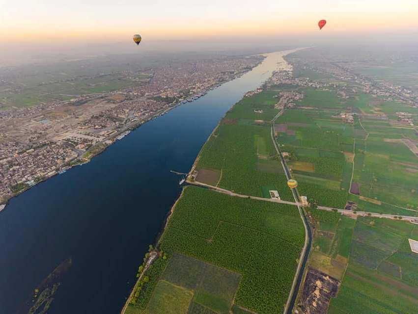 شريط نهر النيل يقسم الاقصر من الأعلى