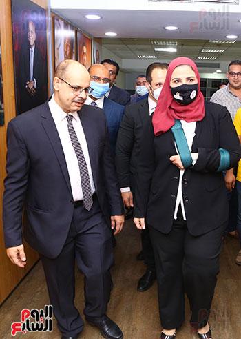 الكاتب الصحفى أكرم القصاص يستقبل الدكتورة نيفين القباج وزيرة التضامن