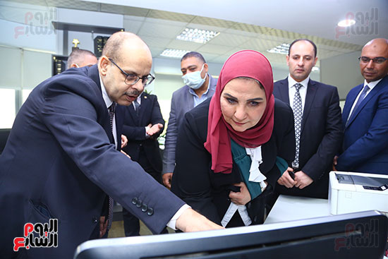 جانب من زيارة وزيرة التضامن لليوم السابع