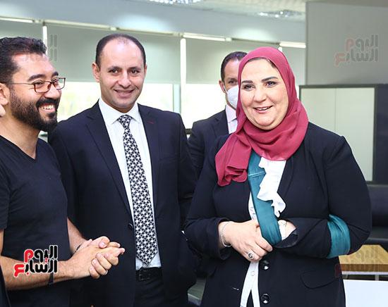 الدكتورة نيفين القباج وزيرة التضامن مع الزميل مدحت وهبه ومحمد خطاب