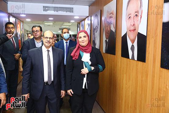 وزيرة التضامن برفقة رئيس التحرير داخل مقر اليوم السابع