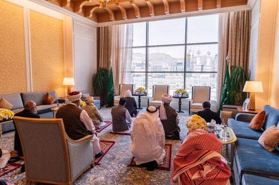 كبار علماء باكستان وأفغانستان يوقعون من جوار البيت الحرام (5)