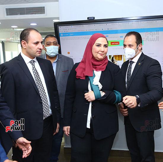 الدكتورة نيفين القباج  بصالة تحرير اليوم السابع