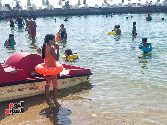 ضحك ولعب على شواطئ الاسكندرية (1)