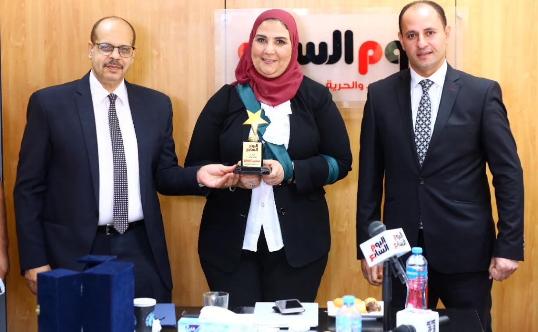 رئيس التحرير يكرم الدكتورة نيفين القباج وزيرة التضامن الاجتماعى