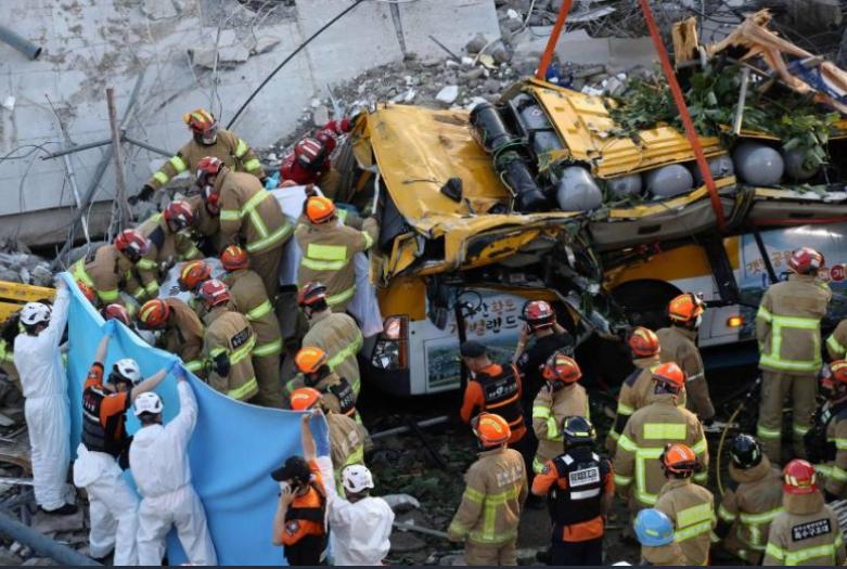 انهيار مبنى بكوريا الجنوبية