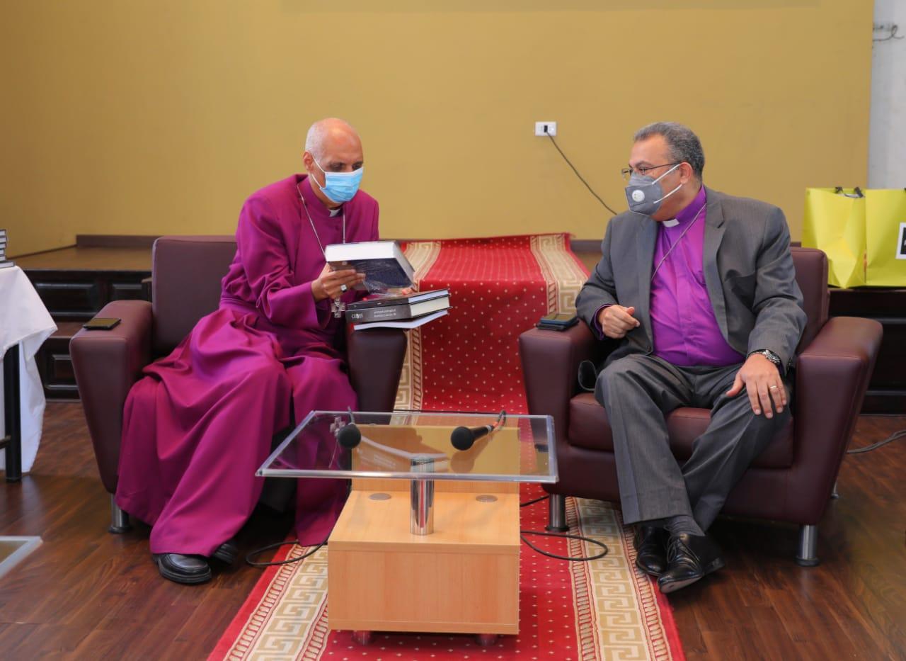 رئيس الطائفة الإنجيلية يهنئ رئيس الأسقفية الجديد