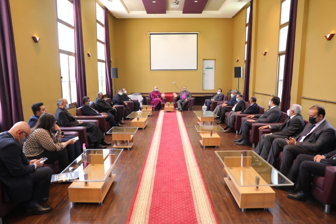 رئيس الطائفة الإنجيلية خلال تهنئة رئيس الأسقفية الجديد