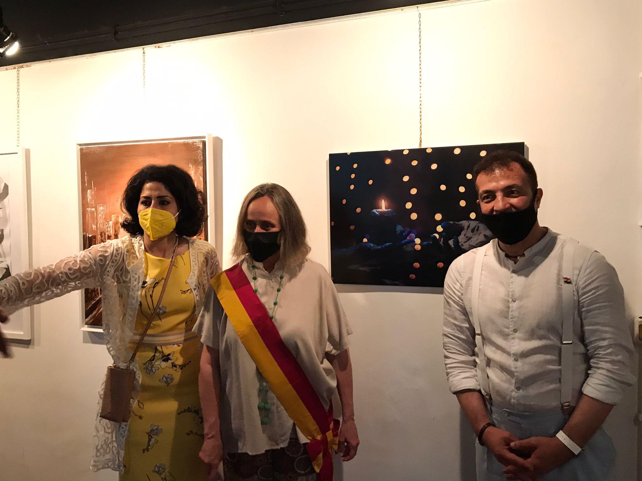 مشاركة فنانين فى المعرض
