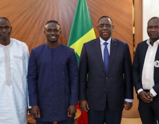 ساديو مانى ورئيس السنغال