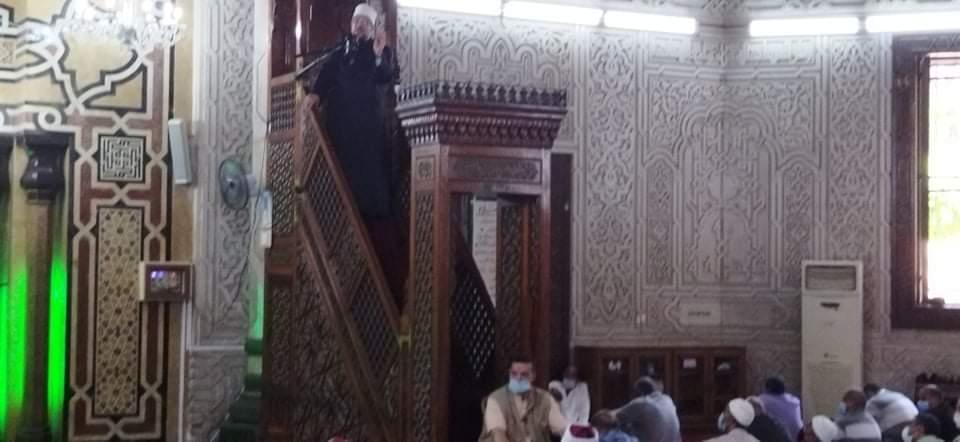 وزير الأوقاف يؤدى صلاة الجمعة بمسجد أبو العباس (1)