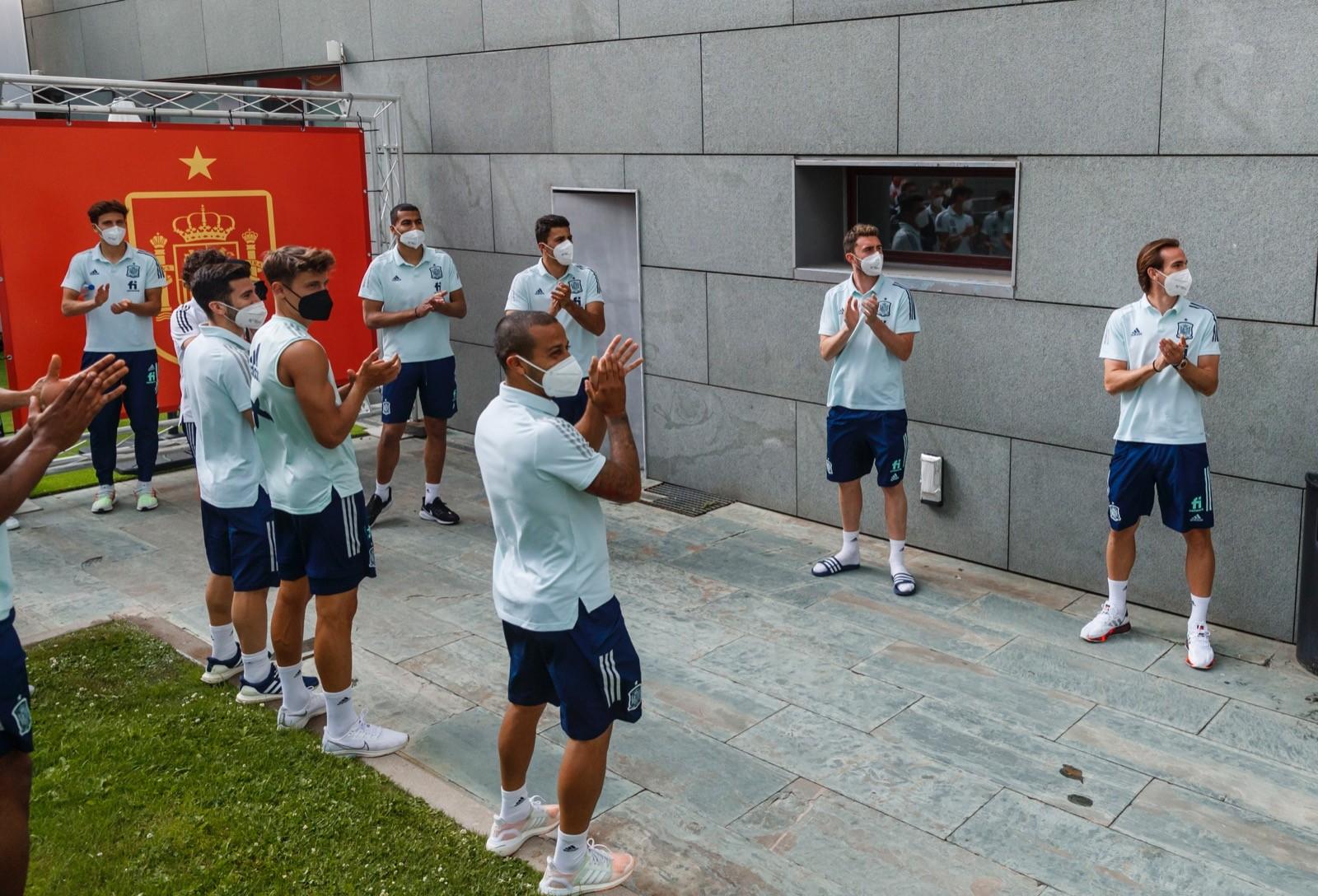 عودة لورينتي لمعسكر منتخب اسبانيا (2)