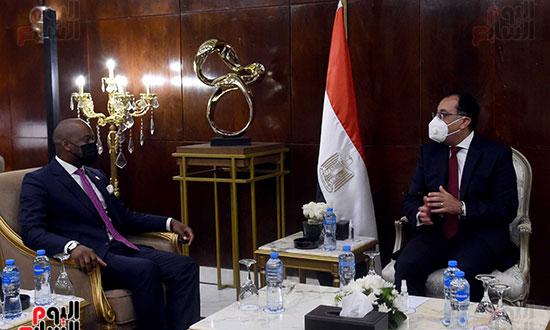 رئيس الوزراء يلتقى أمين عام سكرتارية منطقة التجارة الحرة القارية الأفريقية (3)