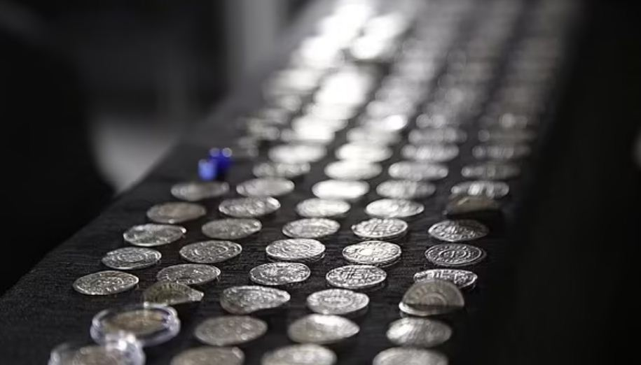 سر وجود العملات فى بولندا
