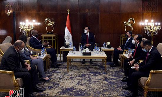 رئيس الوزراء يلتقى أمين عام سكرتارية منطقة التجارة الحرة القارية الأفريقية (1)