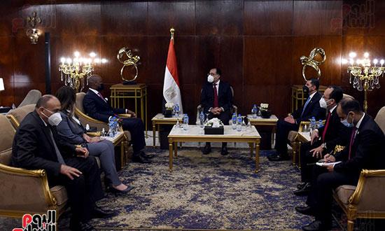 رئيس الوزراء يلتقى أمين عام سكرتارية منطقة التجارة الحرة القارية الأفريقية (2)
