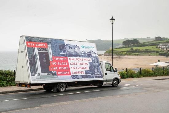 تروّج شاحنة صغيرة لحملة فقدان الموارد البشرية