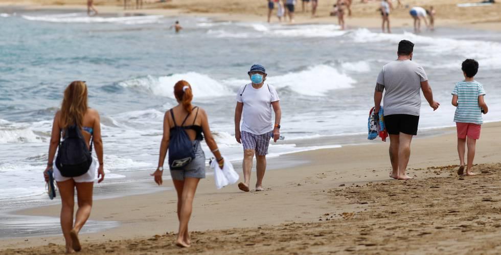 اسبانيا تفتح الشواطئ