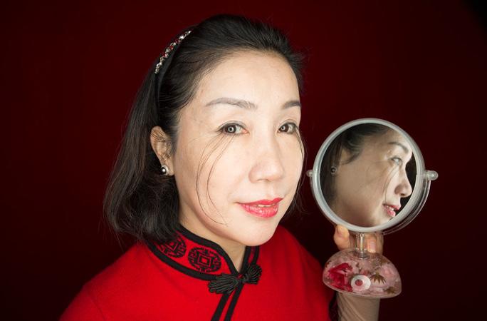 يو جيانزيا صاحبة أطول رموش فى العالم