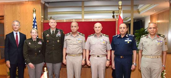 وزير الدفاع يلتقى قائد الحرس الوطنى الأمريكى (10)