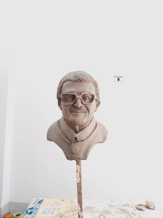 تمثال لسمير غانم