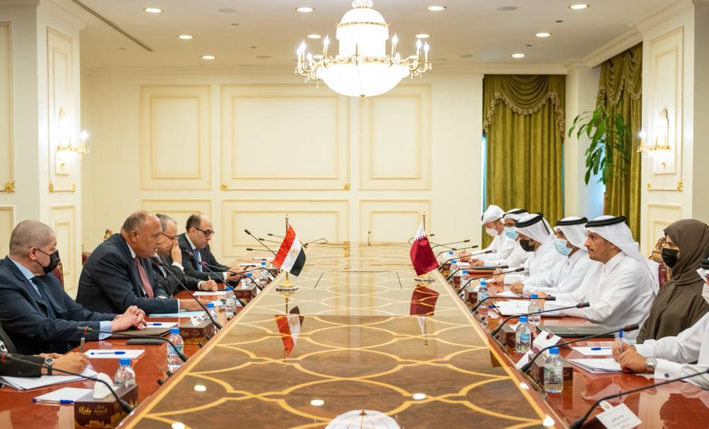جلسة مباحثات رسمية بين وزيرى خارجية مصر وقطر فى الدوحة