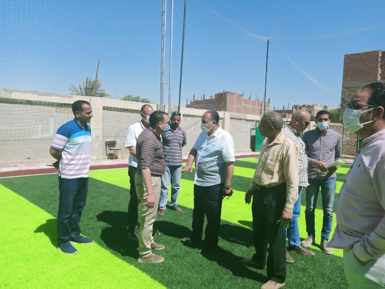 استمرار متابعة تنفيذ مشروعات تطوير الريف المصري والسكرتير المساعد يتفقد مشروعات قرى ديروط (8)