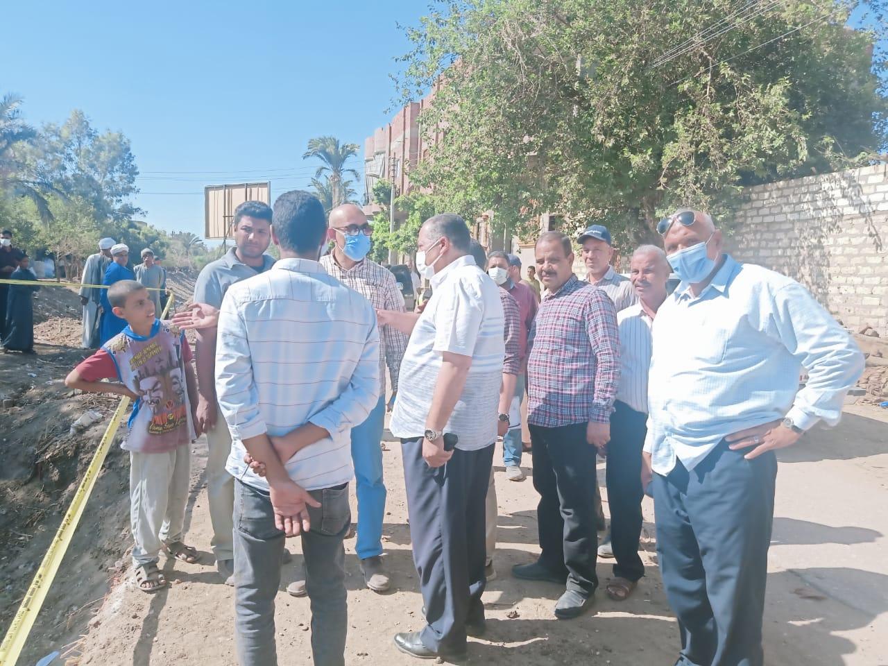 استمرار متابعة تنفيذ مشروعات تطوير الريف المصري والسكرتير المساعد يتفقد مشروعات قرى ديروط (5)
