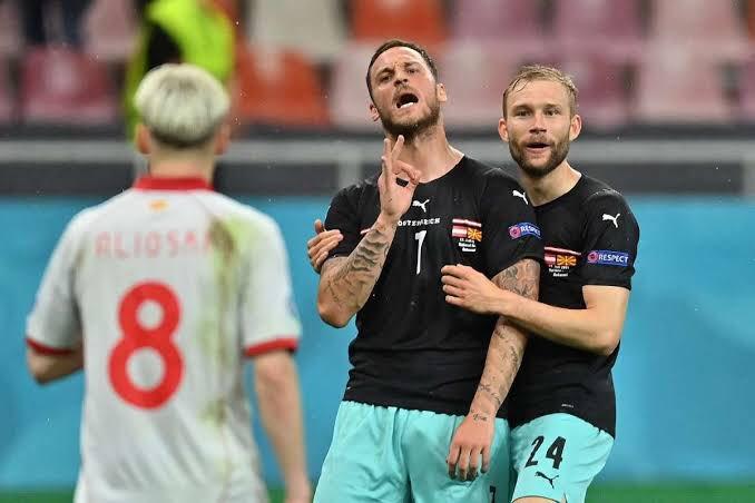 أرناتوفيتش يتوعد لاعب مقدونيا بشكل مثير