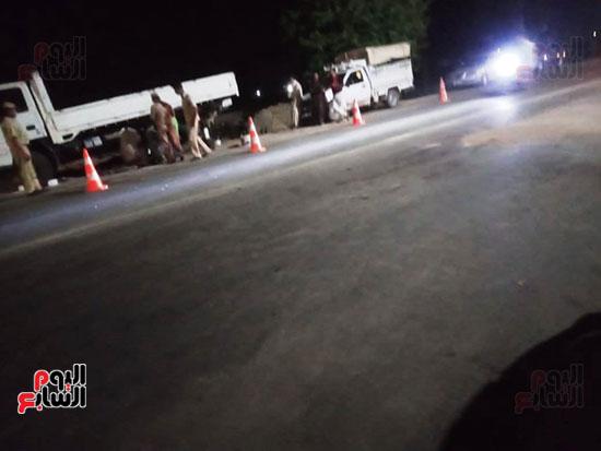 موقع حادث مصرع 4 أشخاص وإصابة 23 آخرين (4)