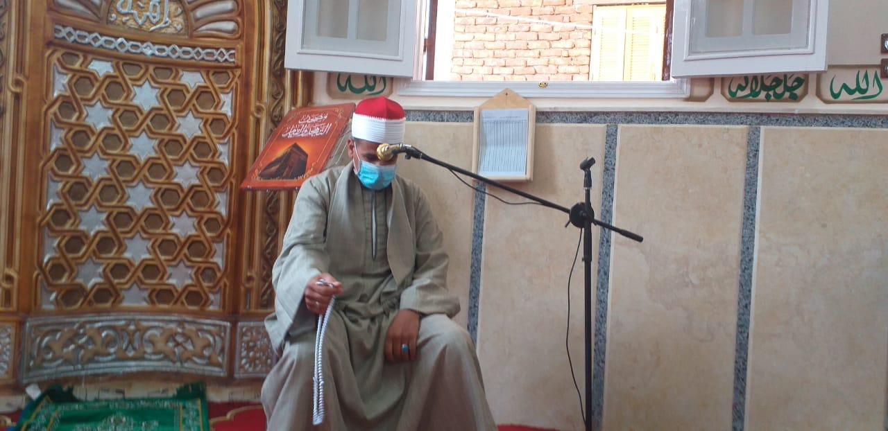 قرآن الجمعة داخل مسجد المجمع الإسلامى الخيري بمدينة إسنا
