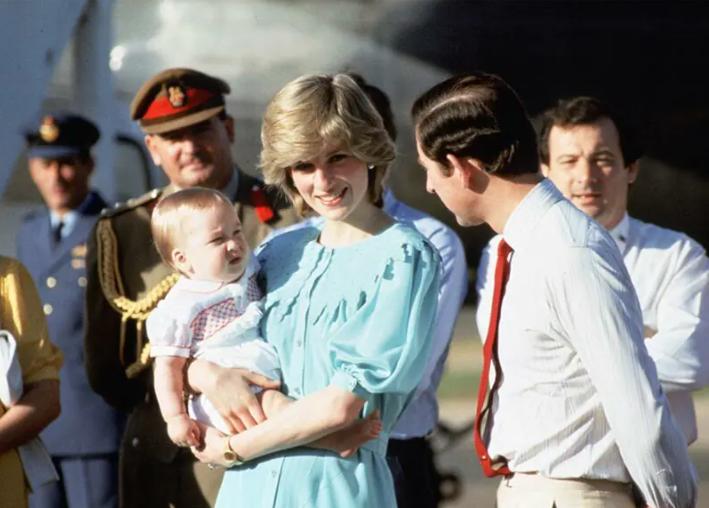 ديانا تصطحب الأمير ويليام