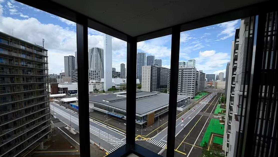 سيبقى جميع الرياضيين داخل المباني السكنية الشاهقة طوال فترة وجودهم في اليابان