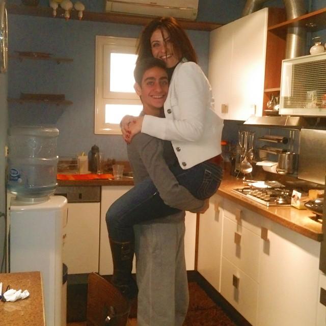 هيدى كرم وابنها (2)