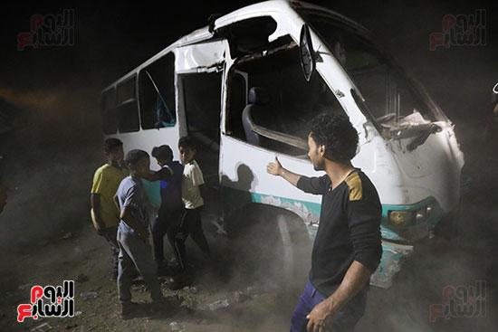 تصادم قطار بضائع بأتوبيس ركاب فى حلوان (16)