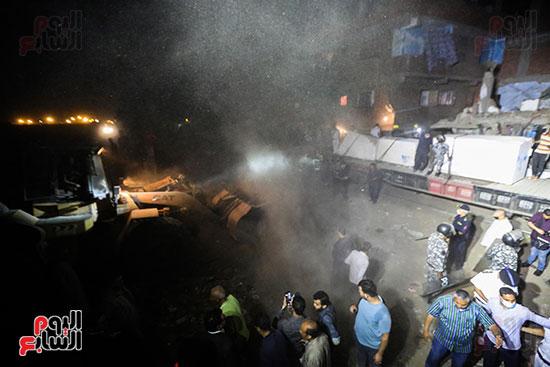 تصادم قطار بضائع بأتوبيس ركاب فى حلوان (17)