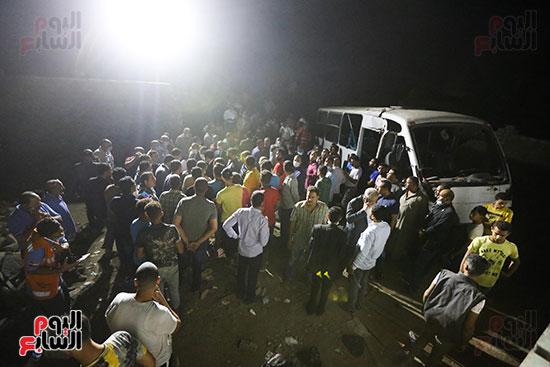 تصادم قطار بضائع بأتوبيس ركاب فى حلوان (26)