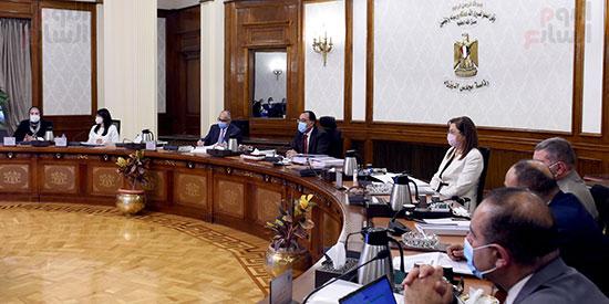 الحكومة تناقش 100 إجراء ضمن الخطة المقترحة للنهوض بالصناعة وتنمية الصادرات (6)