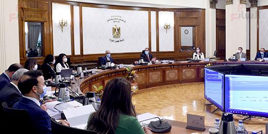 الحكومة تناقش 100 إجراء ضمن الخطة المقترحة للنهوض بالصناعة وتنمية الصادرات (3)