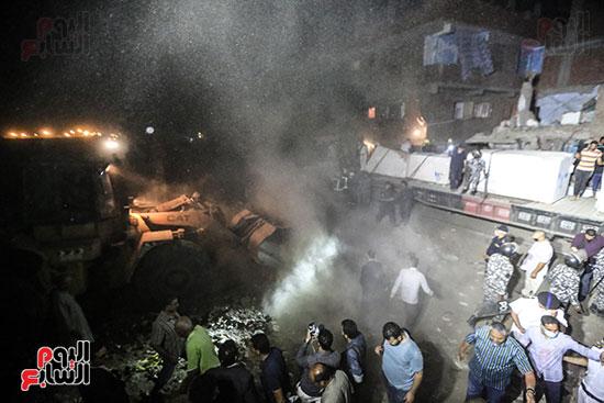تصادم قطار بضائع بأتوبيس ركاب فى حلوان (19)