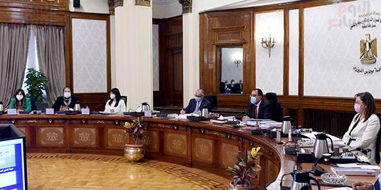 الحكومة تناقش 100 إجراء ضمن الخطة المقترحة للنهوض بالصناعة وتنمية الصادرات (7)