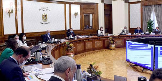 الحكومة تناقش 100 إجراء ضمن الخطة المقترحة للنهوض بالصناعة وتنمية الصادرات (4)