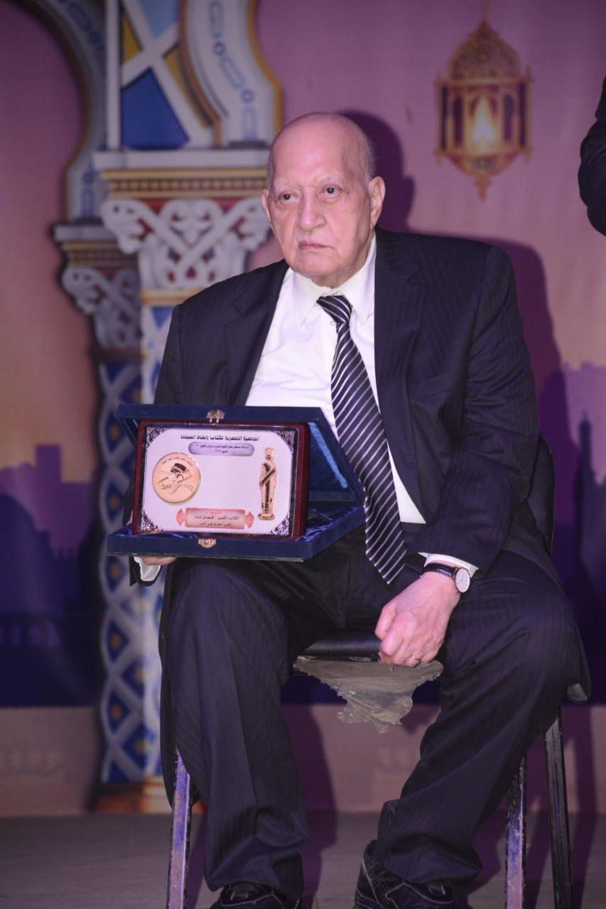 الكاتب فيصل ندا