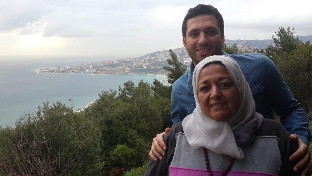 حسن الرداد ووالدته الراحلة