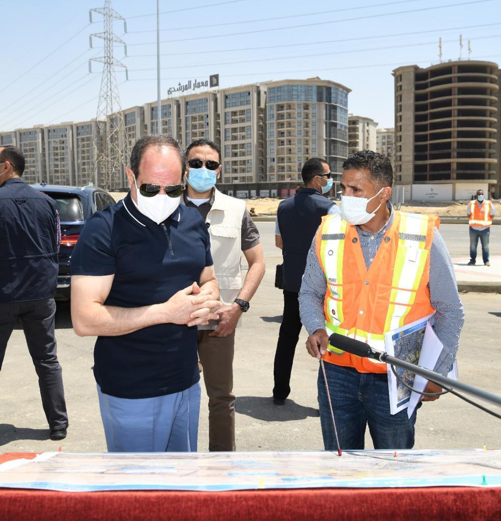 الرئيس السيسى يتفقد أعمال التطوير والصيانة للطريق الدائري (4)