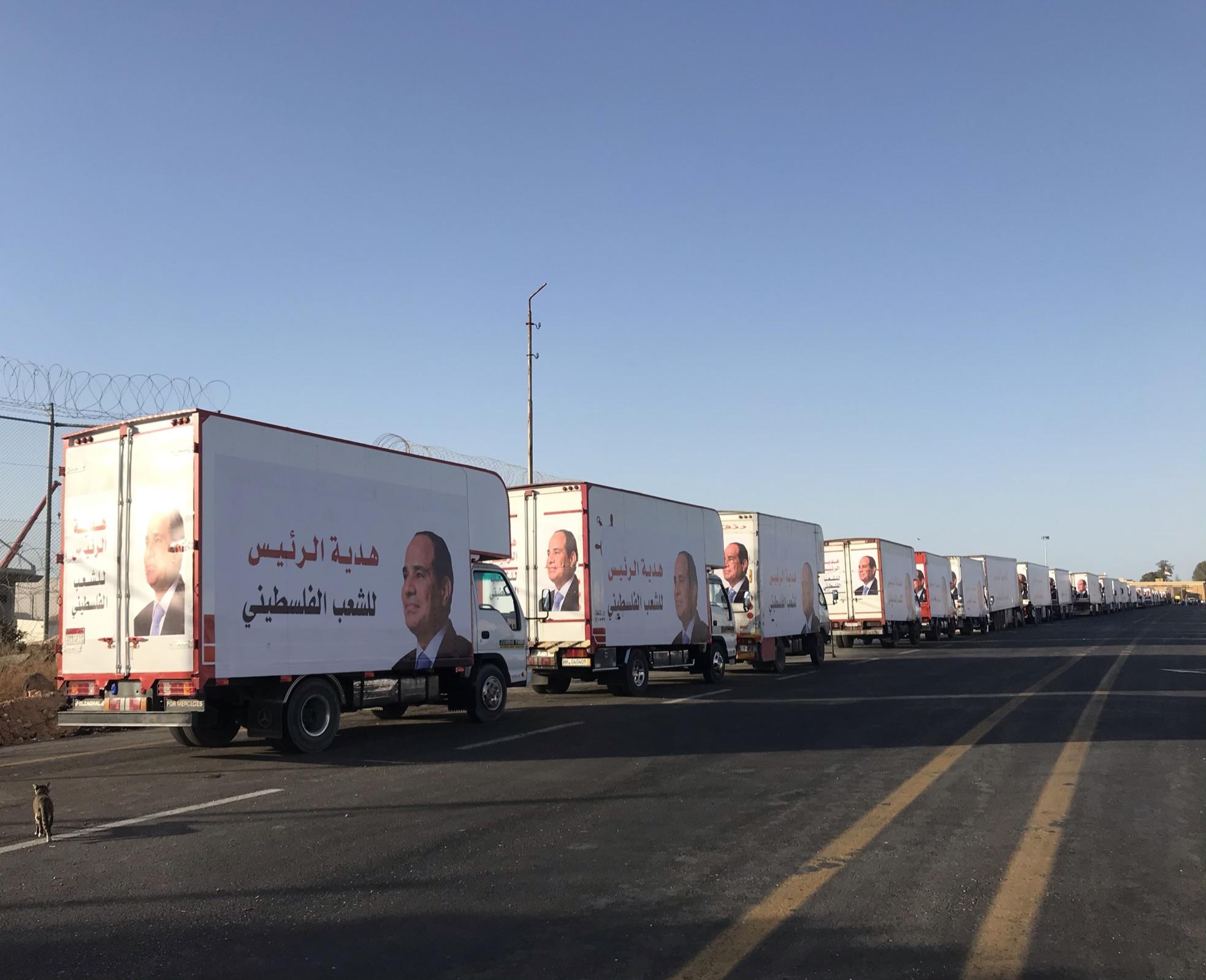 مساعدات مصرية تعبر للجانب الفلسطينى من منفذ رفح