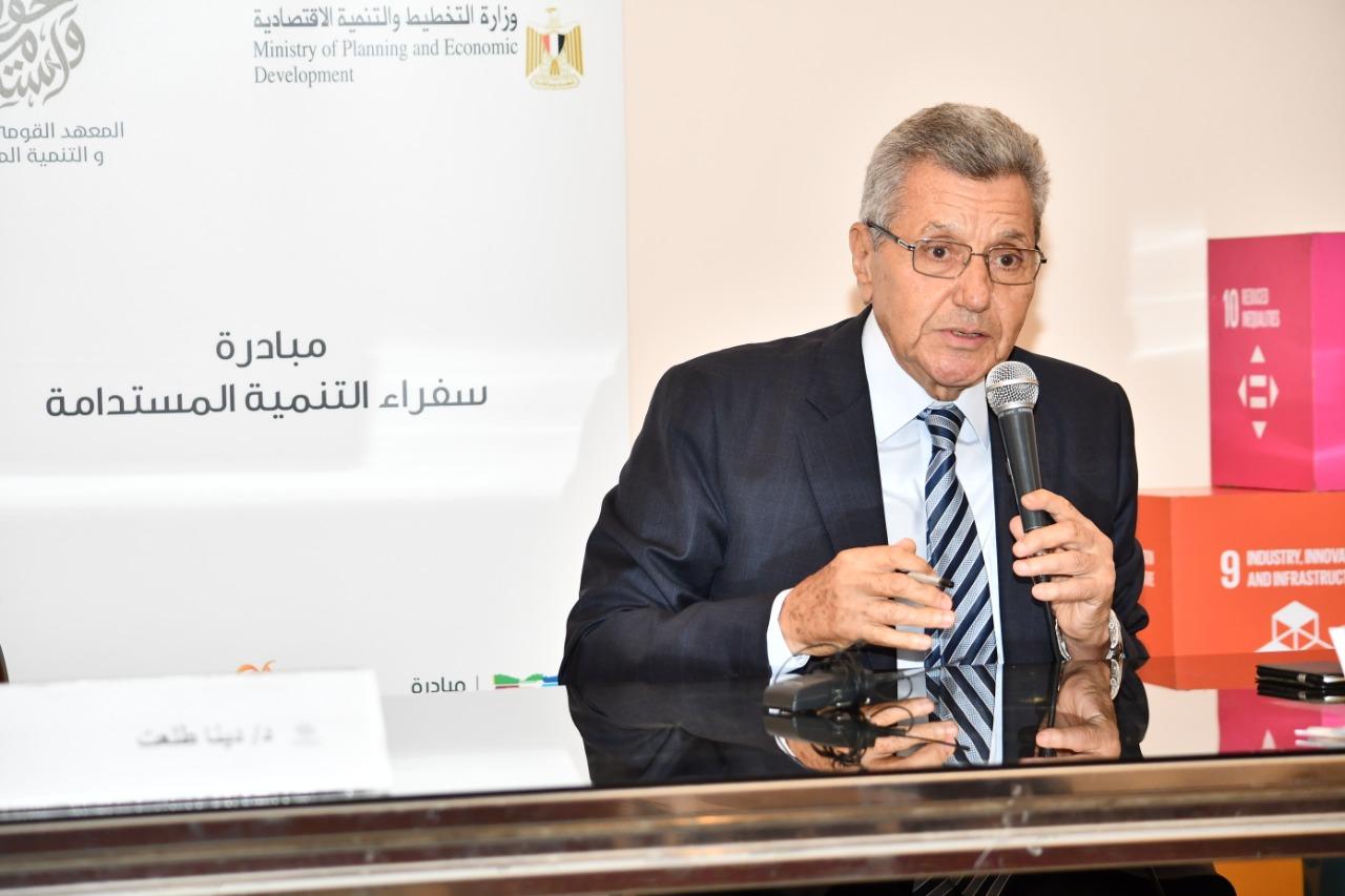 حسين أباظة