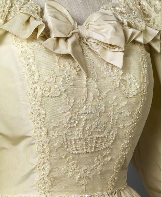 75958-الفستان