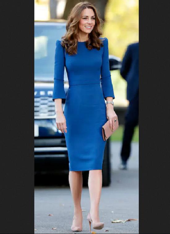 البسى الفساتين الضيقة على الطريقة الملكية (10)